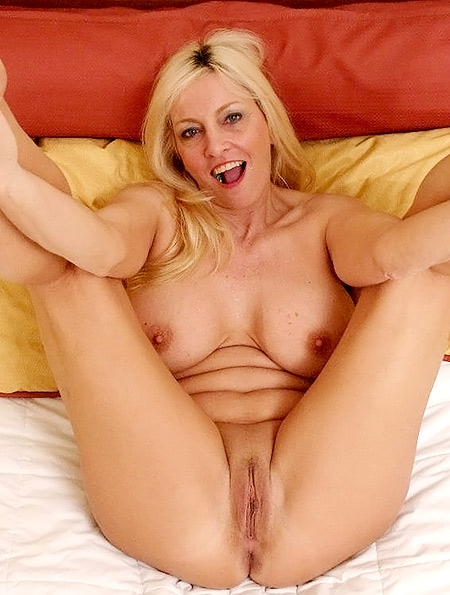 Blonde MILF Cala Enjoys Holiday Humping