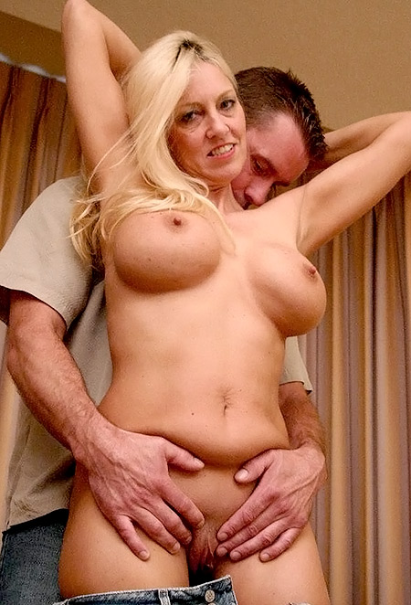 Blonde MILF Cala Gets Jizzed