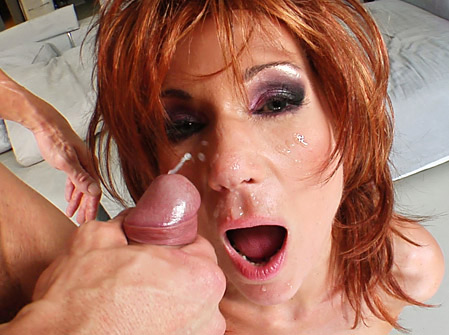 Mature MILF Nina's Still Smoking Hot