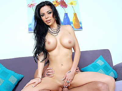 Pretty MILF Francessa's Hot Cock Ride